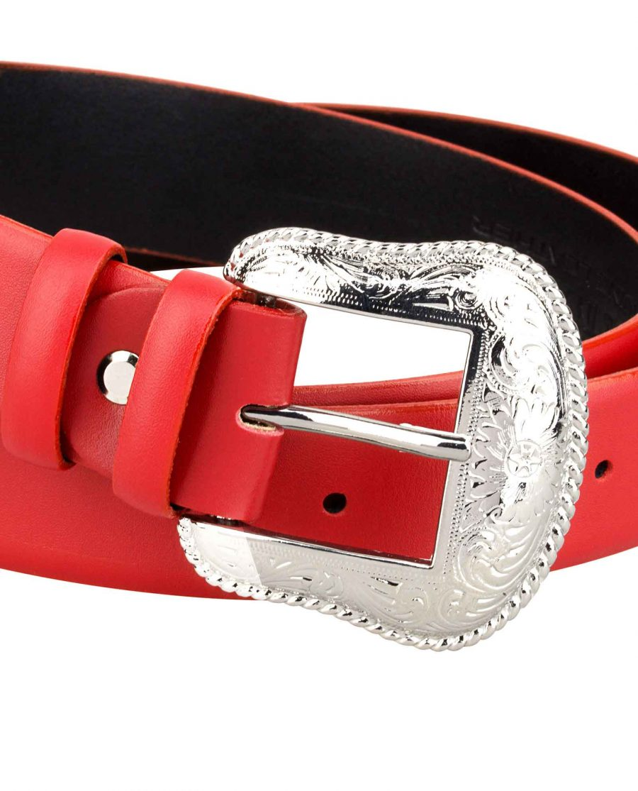 Cowgirl-Red-Belt-Buckle-close