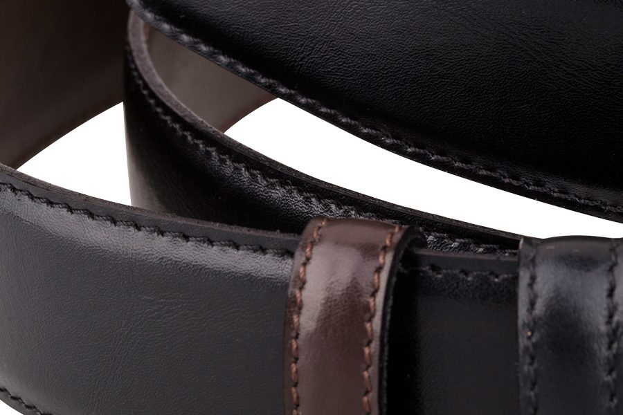 Reversible-Leather-Belt-Strap-Close-view